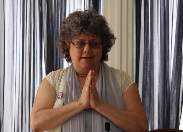 Screenshot of Edie Weinstein video
